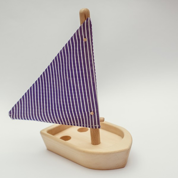 drevena-hracka-lodicka-1