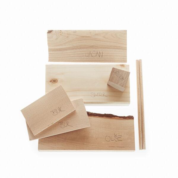 kousky různých druhů dřev